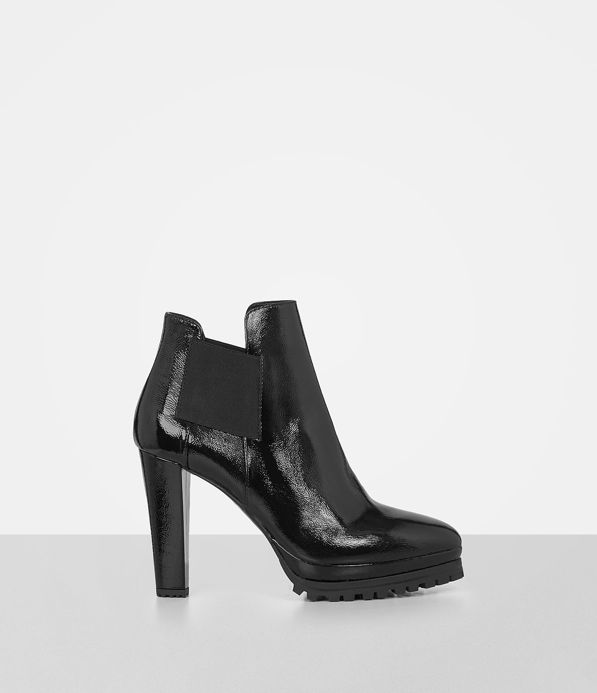 sarris-chelsea-boot