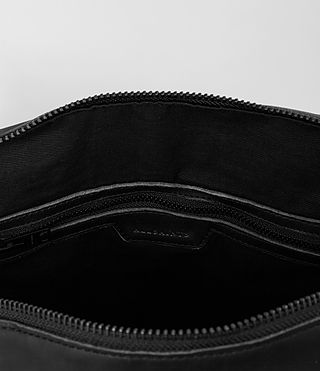 Mens Meguro Leather Holdall (Washed Black) - product_image_alt_text_4