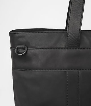 Hombres Komaba Leather Holdall (Black) - product_image_alt_text_2