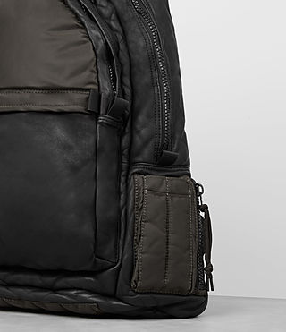 Hommes Sac à dos en cuir Shoto (Washed Black/Khaki) - product_image_alt_text_3