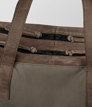 Herren Aichi Leather Holdall (Washed Taupe) - product_image_alt_text_3