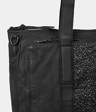 Hombre Hoshi Holdall (Washed Black) - product_image_alt_text_2