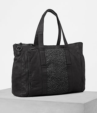 Hombre Hoshi Leather Holdall (Washed Black) - product_image_alt_text_3