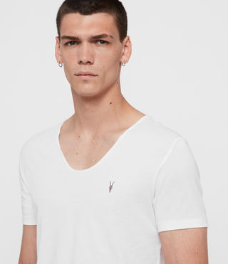 Herren Tonic T-Shirt mit weitem Kragen (Optic White) - product_image_alt_text_4