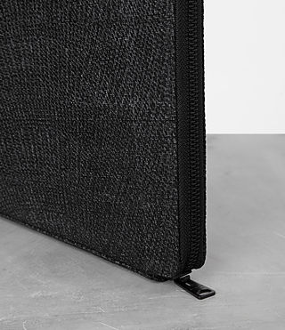 남성 모뉴먼트 케이스 (PERFORATED GREY) - product_image_alt_text_2