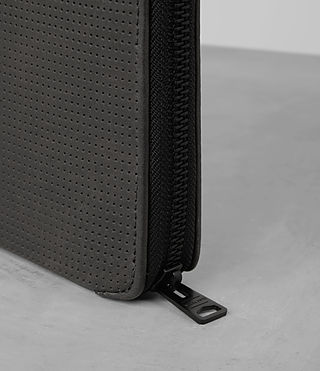 Uomo Monument Leather Case (PERFORATED GREY) - product_image_alt_text_2