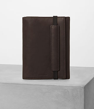 Mens Detour Travel Wallet (Bitter Choc) - product_image_alt_text_1