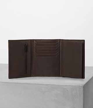 Mens Detour Travel Wallet (Bitter Choc) - product_image_alt_text_4