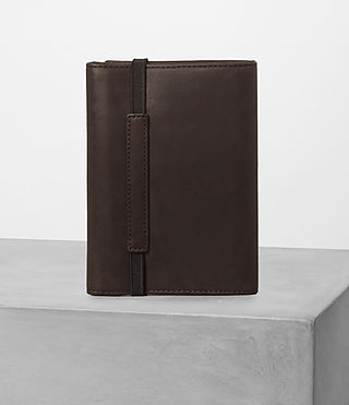 Mens Detour Travel Wallet (Bitter Choc) - product_image_alt_text_5