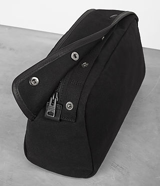 Uomo Minato Washbag (Black) - product_image_alt_text_2