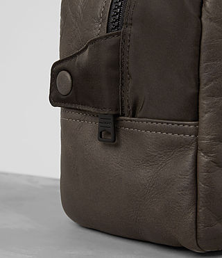 Hommes Shoto Leather Washbag (WASHED TAUPE/KHAKI) - product_image_alt_text_2