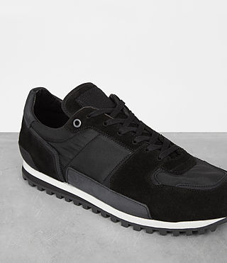 Hombres Sterling Runner Sneaker (Washed Black) - product_image_alt_text_3
