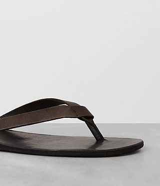 Mens Reef Leather Sandal (Bitter Brown) - product_image_alt_text_2