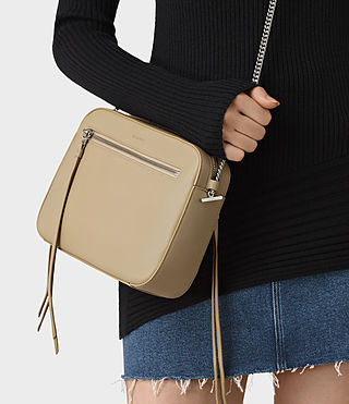 Donne Fleur De Lis Crossbody (Sand) - product_image_alt_text_2