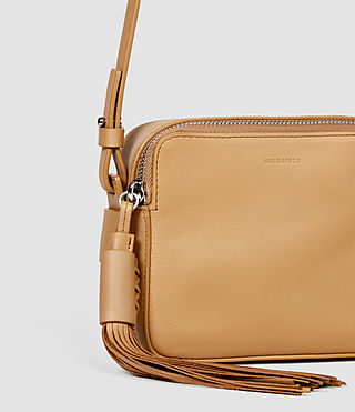 Femmes Pearl Mini Camera Bag (LIGHT CARAMEL) - product_image_alt_text_4