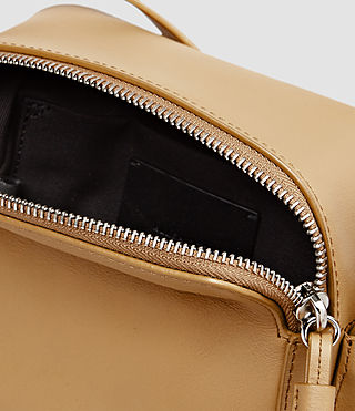 Femmes Pearl Mini Camera Bag (LIGHT CARAMEL) - product_image_alt_text_5