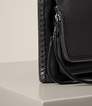 Damen Club Crossbody (Black) - product_image_alt_text_3