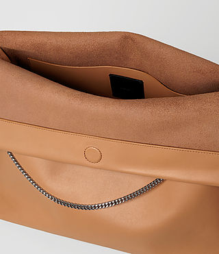 Mujer Lafayette Large Shoulder Bag (LIGHT CARAMEL) - product_image_alt_text_5