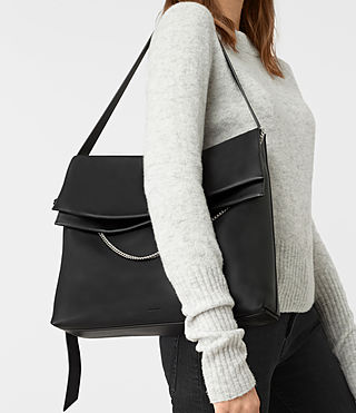 Mujer Lafayette Large Shoulder Bag (Black) - product_image_alt_text_2