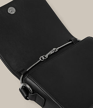 Donne Ikuya Clutch (Black) - product_image_alt_text_5