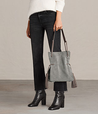 Mujer Bolso grande Freedom Bucket (Smoke Grey) - product_image_alt_text_2