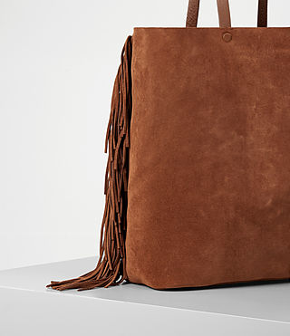 Women's Club New Lea Fringe Tote (Woody/Tan) - product_image_alt_text_2