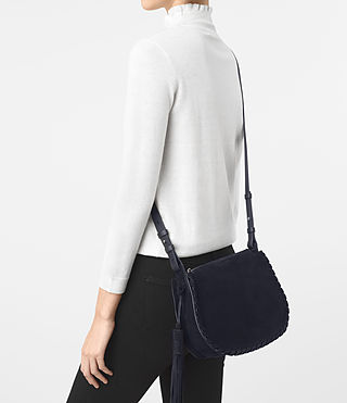 Mujer Mori Suede Crossbody (Dark Blue) - product_image_alt_text_2