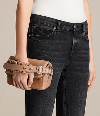 Damen Maya Soft Clutch (LIGHT CARAMEL) - product_image_alt_text_2