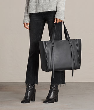 Mujer Ray Lea East West Tote (Black) - product_image_alt_text_2