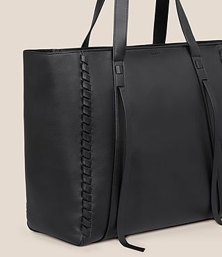 Mujer Ray Lea East West Tote (Black) - product_image_alt_text_3
