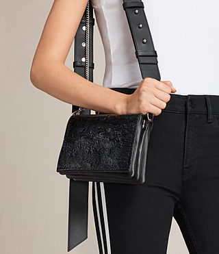 Women's Zep Shoulder Bag (SHINY BLACK) - product_image_alt_text_3