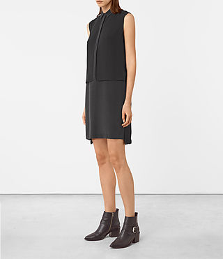 Mujer Radial Sleeveless Dr (Black) - product_image_alt_text_2
