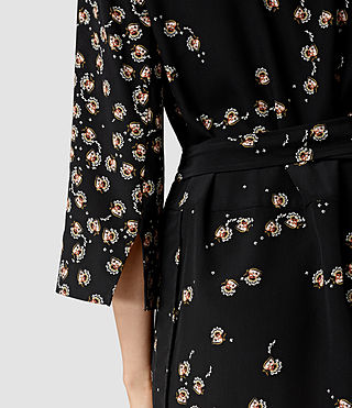 Mujer Alva Fraise Silk Dress (Black) - product_image_alt_text_3