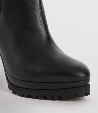 Womens Sarris Chelsea Boot (Black) - product_image_alt_text_2