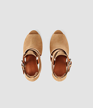 Mujer Benny Heel Sandal (Tan) - product_image_alt_text_4