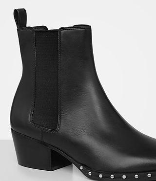 Women's Ellis Chelsea Boot (Black) - product_image_alt_text_2