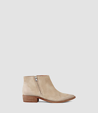 Womens Yuree Mid Boot (Sand)