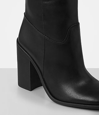 Women's Onyx Boot (Black) - product_image_alt_text_2