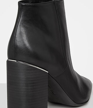 Women's Xaviera Boot (Black) - product_image_alt_text_2