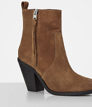 Damen Lorna Suede Boot (Tan) - product_image_alt_text_2
