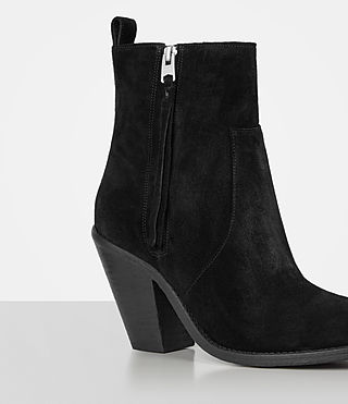 Women's Lorna Suede Boot (Black) - product_image_alt_text_2