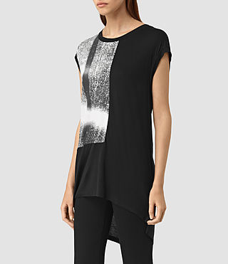 Mujer Twilight Step Tee (Black) - product_image_alt_text_2