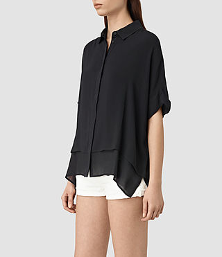Mujer Wilder Shirt (Black) - product_image_alt_text_2