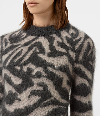 Mujer Quant Cropped Tiger Sweater (Charcoal Grey) - product_image_alt_text_2