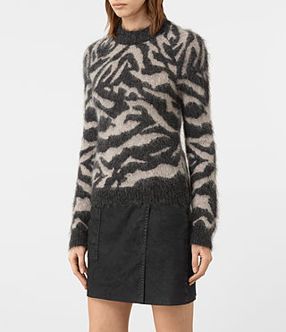 Mujer Quant Cropped Tiger Sweater (Charcoal Grey) - product_image_alt_text_3