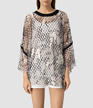 Mujer Roma Print Mesh Tee (Black/White) - product_image_alt_text_1