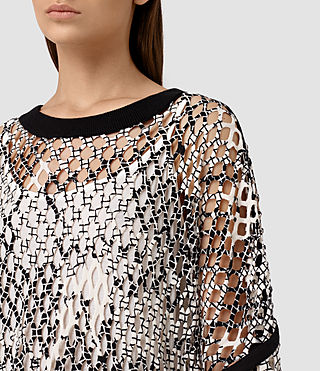 Mujer Roma Print Mesh Tee (Black/White) - product_image_alt_text_2