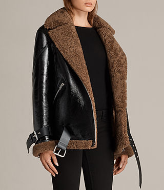 Mujer Hawley Oversized Shearling Biker Jacket (Black/Brown) - product_image_alt_text_7
