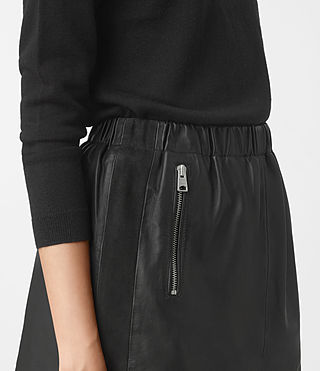 Mujer Suko Leather Skirt (Black) - product_image_alt_text_3
