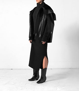 Mujer Comet Leather Cape (Black) - product_image_alt_text_3
